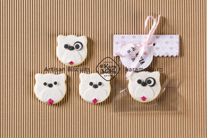 Biscuiți decorați cațeluși albi