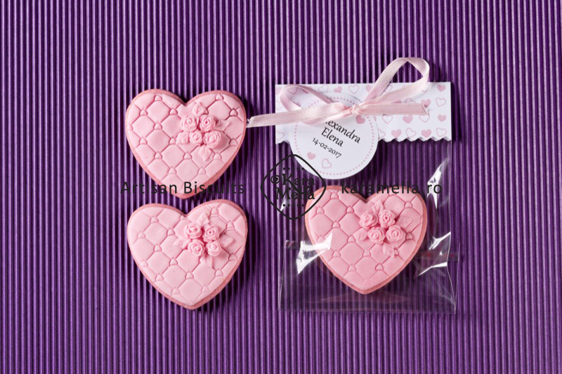 Biscuiți decorați inimioare vintage